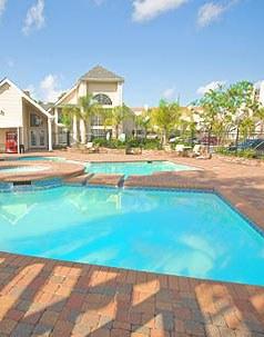 Shadowlake Villa Apartment Pool View with Club House
