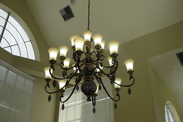Shadowlake Villa Apartments Chandelier in Club House